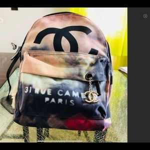 IN SEARCH OF THIS BACKPACK!